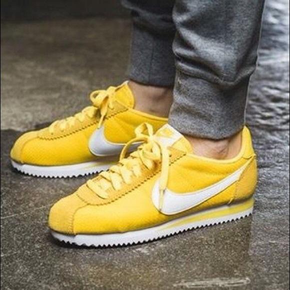 buy popular 7daaf 8d6f3 NIKE Cortez sneakers yellow. M 5c0a1dd112cd4a1f9ae8aebb